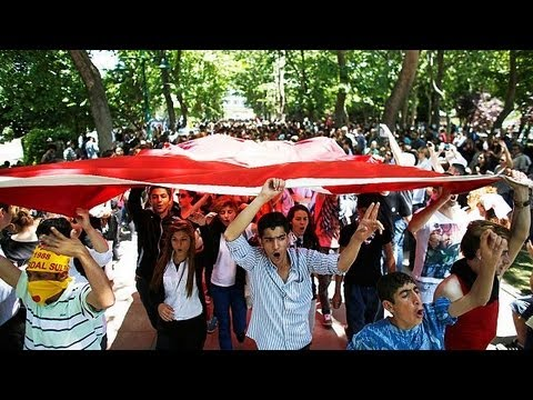 """Turkey: """"We want the government to resign!"""" say Taksim Gezi protesters"""