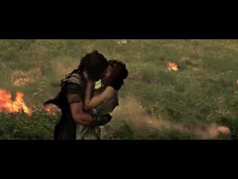 Pompeii final scene milo and cassia kiss - YouTube