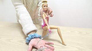 バービーの体操人形で遊びました。 リボンが自動でまわる仕掛になってい...