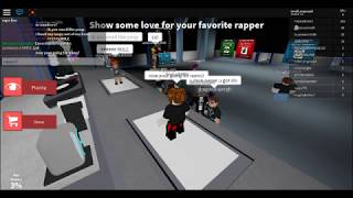 AUTO RAP BATTLES IN ROBLOX: rapping as a noob and still winning!!