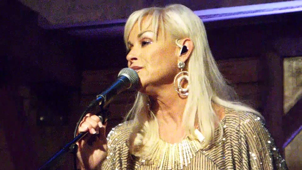 Lorrie Morgan Carrying Your Love With Me Live From The