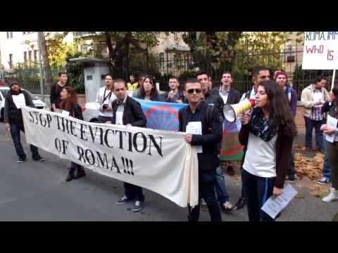 Budapest » French Embassy Protest - Opre Roma! Support Leonarda! [2013.10.28]
