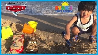 DISNEY CARS Toys at the Beach Lightning McQueen Surprise Egg Ryan ToysReview