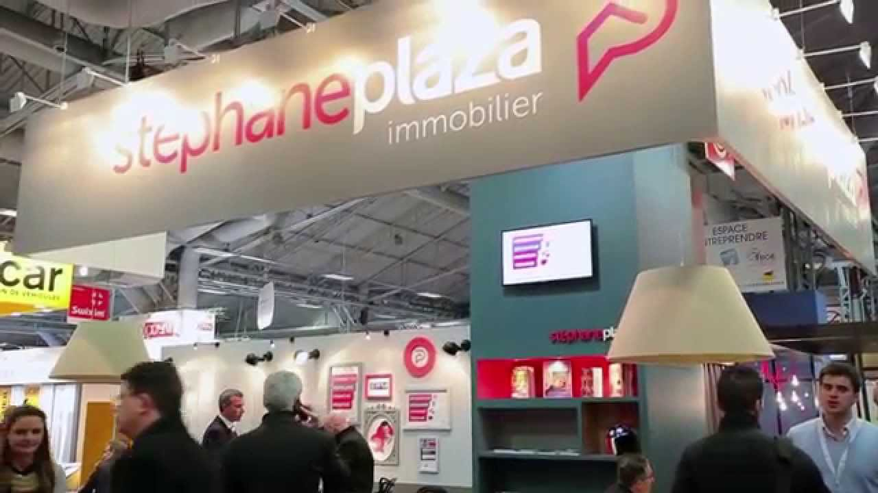St phane plaza immobilier au franchise expo 2015 youtube for Decorateur interieur stephane plaza