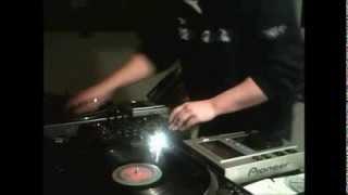 DJ KOSMO QUESTA E' FOTTUTA HARDCORE!!
