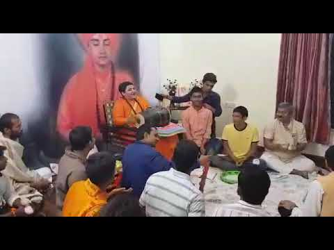 Sadhvi pragya singh ji ki anand mey bhajan