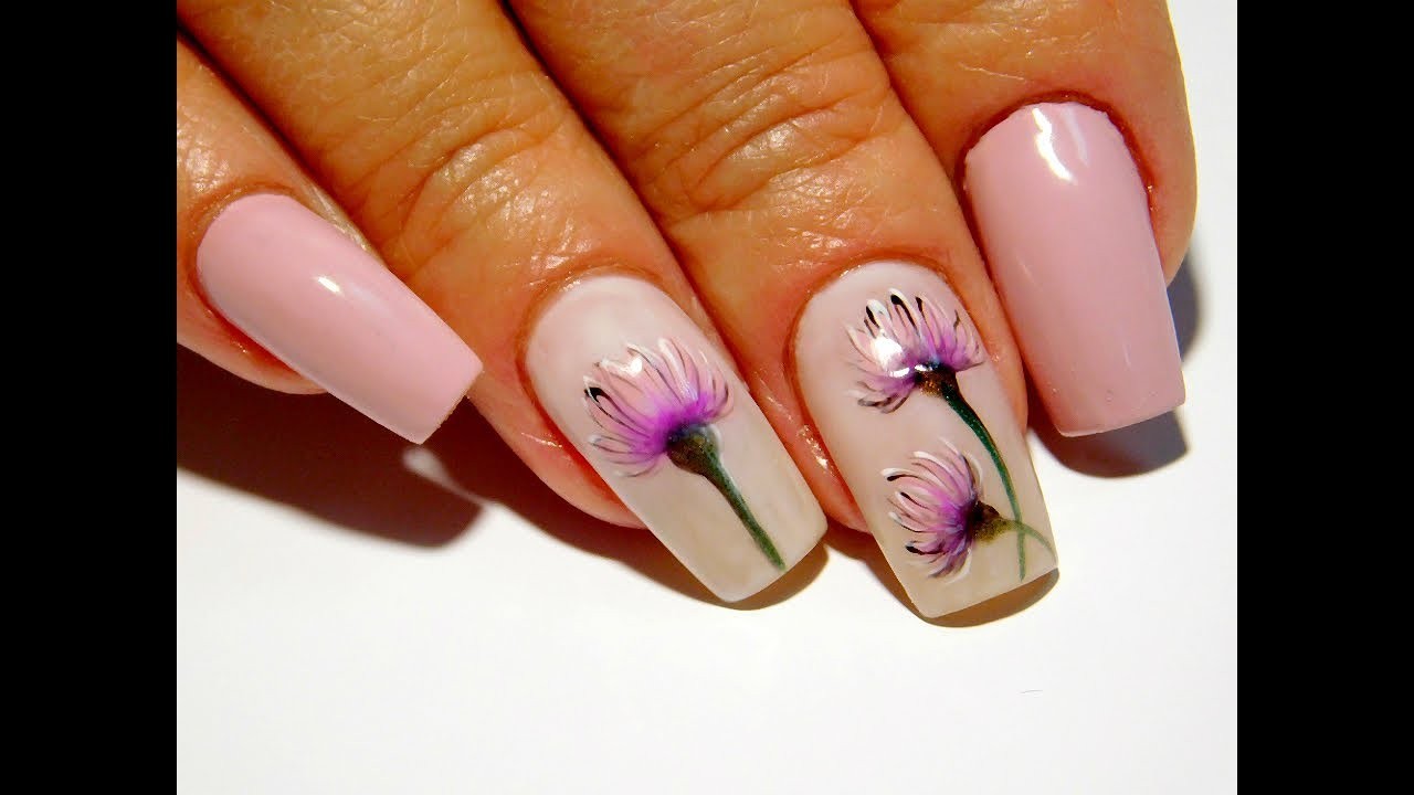 Дизайн ногтей гель лаком цветы. Простой и Модный маникюр 2019 цветы для девушек дизайн