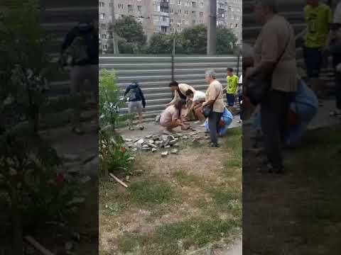ObjectivTv: Харьковчане снесли забор на месте строительства киосков