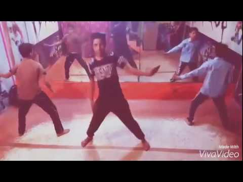 Star dance Academy...on nashe si chad gyi (choreography pawan sir)