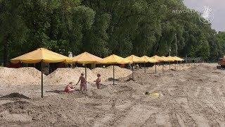На міський пляж вже завозять пісок| Телеканал Новий Чернігів