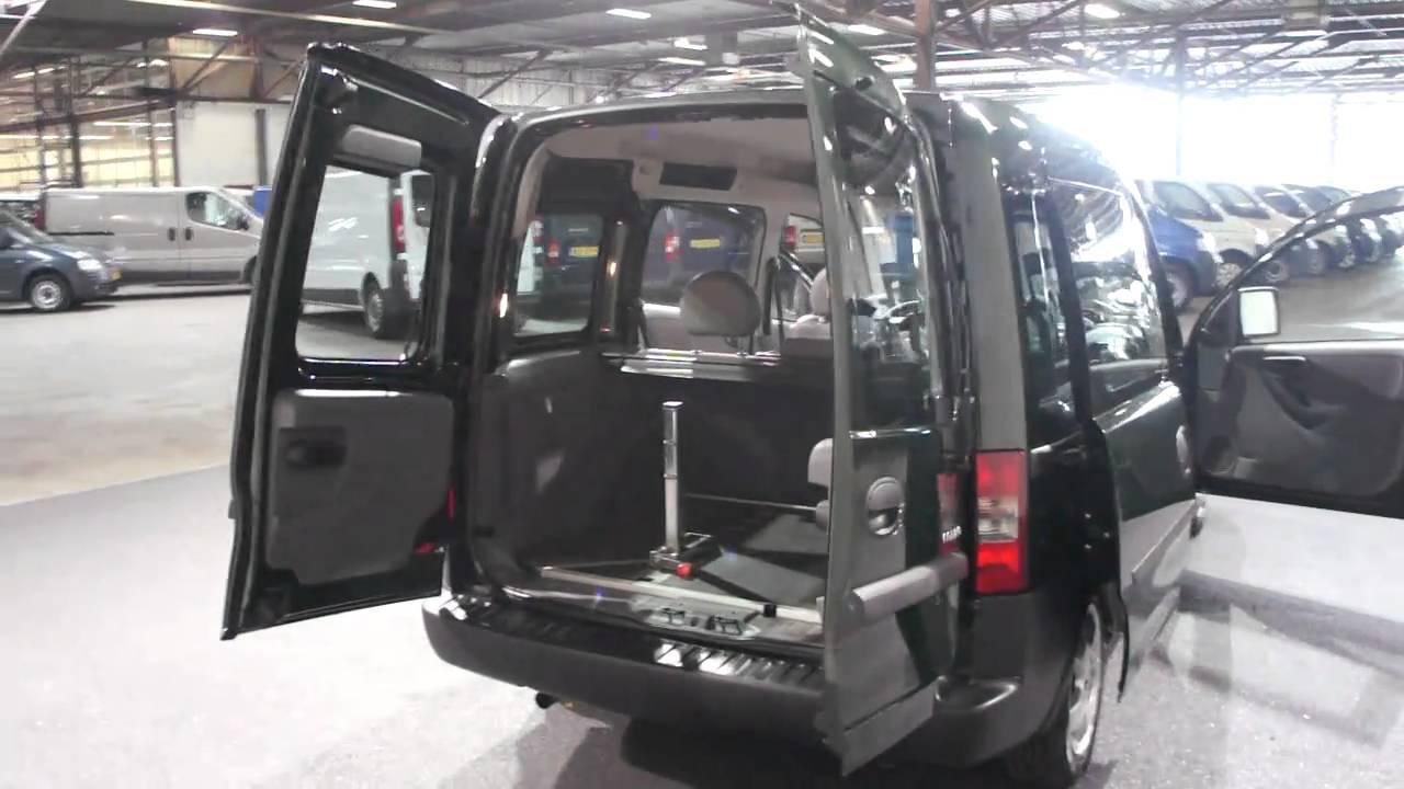 opel combo tour rolstoel auto derks bedrijfswagens youtube. Black Bedroom Furniture Sets. Home Design Ideas