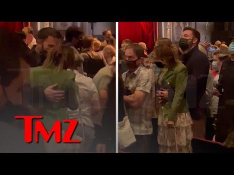Ben Affleck and Jennifer Lopez Take Their Kids to 'Hamilton,' Keep up the PDA | TMZ