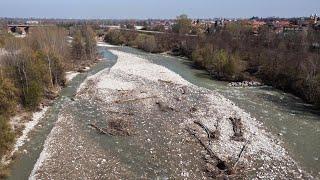 In volo sul Gesso: il torrente ancora invaso dai resti dell'alluvione di ottobre