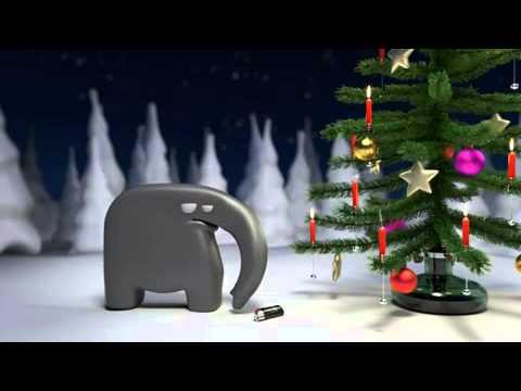 Elefant verbrennt Weihnachtsbaum