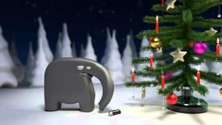 Elefant furzt Weihnachtsbaum in Brand