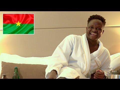 LE RETOUR EN AFRIQUE DE L'ENFANT PRODIGE OBSERVATEUR! (Vlog Afrique #1)