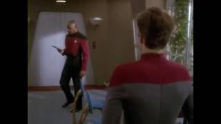 Star Trek : Capt Sisko interviews a cadet