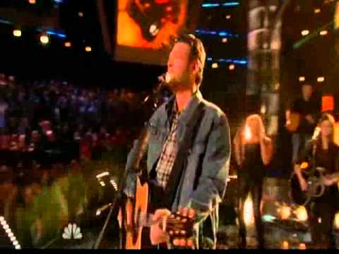 Gwen Sings With Blake: The Voice: Boys Round Here