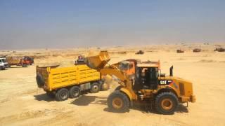 أحمد حسن يقود لودر حفر فى قناة السويس الجديدة أغسطس 2014
