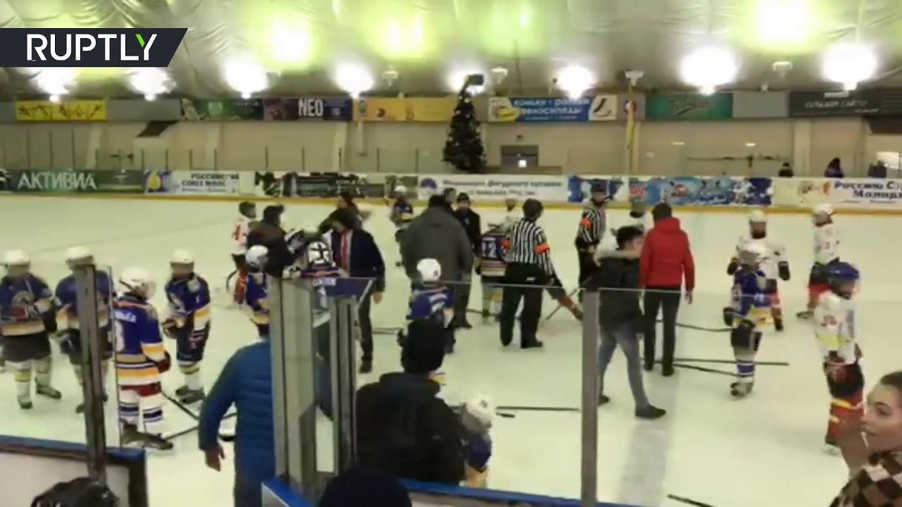 Массовой дракой завершился хоккейный матч между молодёжными командами во Владикавказе