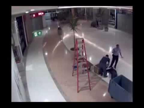 Accidente desde una escalera de mano youtube - Escaleras de mano ...