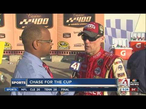 Kevin Harvick wins at Kansas to reach next round of Chase