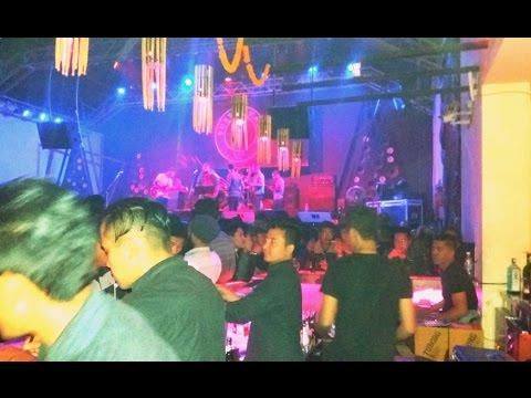 Disco Bar In Thamel Kathmandu Nepal Live Song   Nepal   Nepal Tour