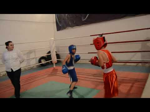 Спарринг 30кг Аик Овсепян(Ереван)-Карен Захарян(Мартуни) 25.05.2019г. Мартуни