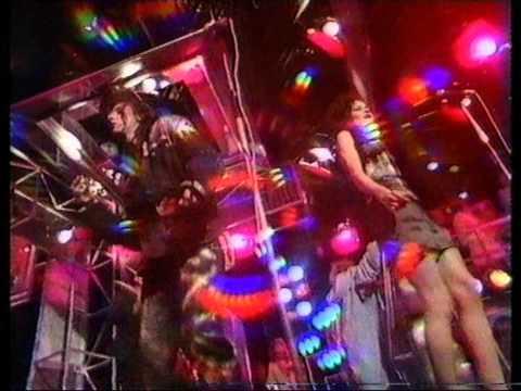 Haysi Fantayzee - Shiny Shiny. Top Of The Pops 1983