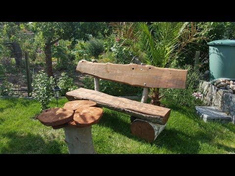 Rustikale Gartenbank selbst bauen aus Holzstämmen, Eiche, Birke und Nadelgehölz
