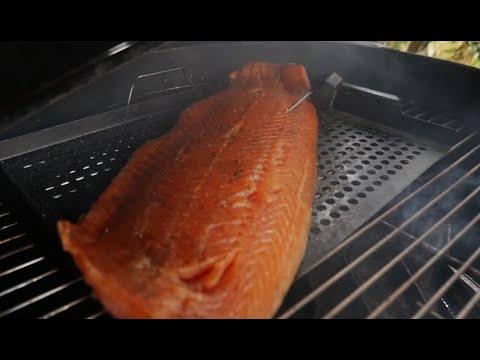 père-guez-spécial-fêtes-:-fumé-comme-un-saumon-!