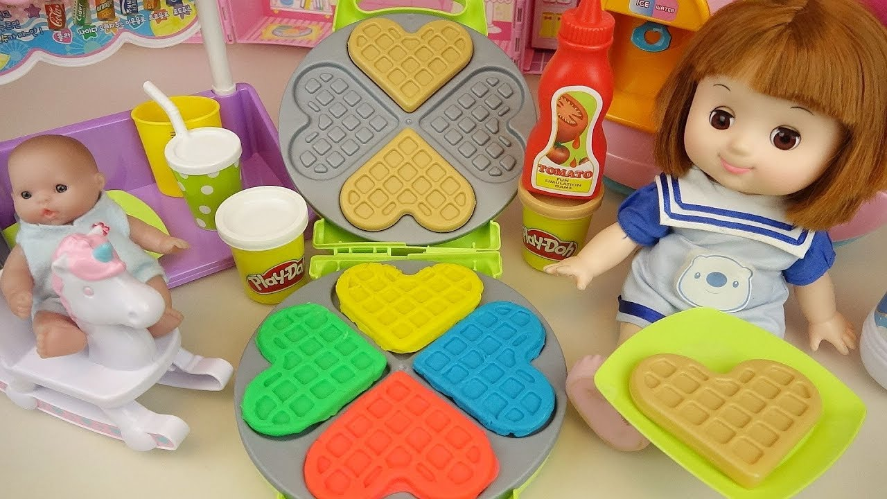 Baby doll play doh waffle and baby Doli cute music - ToyPudding
