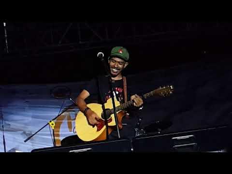 Iksan Skuter - Pulang (Live At Pekan Seni FISIP Universitas Airlangga 2017)