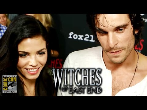 Witches of East End Comic Con 2014 s Jenna DewanTatum & Julia Ormond