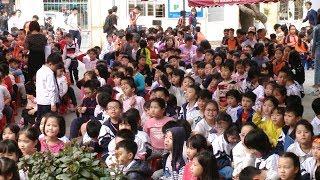 Xuân yêu thương cho các học sinh khuyết tật tại trường Nguyễn Đình Chiểu