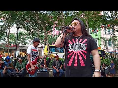 Free Download Gerhana Cinta Luka... Lastik Buskers Mp3 dan Mp4