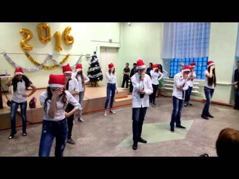 Видео: Новогодний флэшмоб