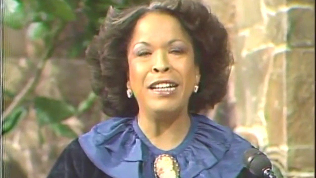 Who Is Della Reese >> Della Reese/Tess on Touched by an Angel - YouTube
