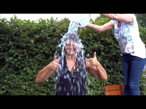 Julia Schulze - Ice Bucket Challenge