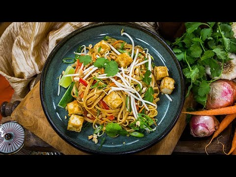 Mena Massoud's Tofu Pad Thai - Home & Family