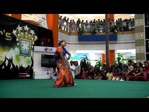 Aishwarya's Dholna - Pyar Ke Geet @ Mazyad Mall Rising Stars (Winner of the day 18.05.2012)