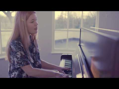 'Time Traveller' performed by RHAIN in London – Burberry Acoustic