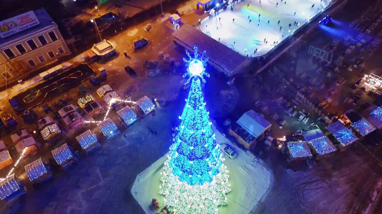 Харьковчане увидели новогоднюю площадь с высоты (ВИДЕО)