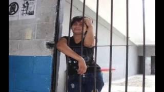 Encarcelan a mujer por no lavar la ropa de su marido