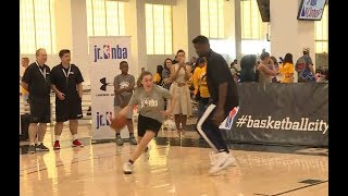 Deandre Ayton battles 1-on-1 with New York City youth at Jr. NBA challenge