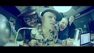 Смотреть клип The Prodigy Ft. Sleaford Mods - Ibiza