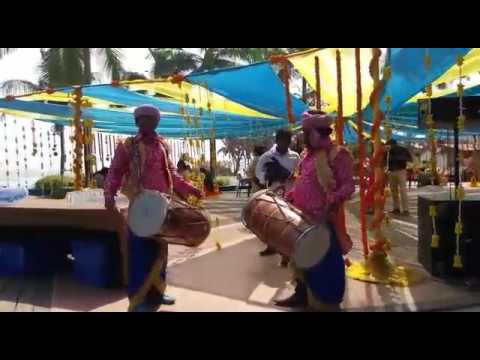 Authentic punjabi dhol artists from North in...