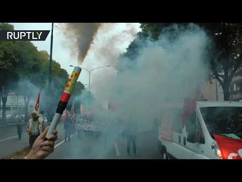 Anti-G7 protesters clash with police in Italy