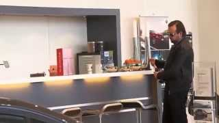 Repeat youtube video Jeppe K: Sæson 3 - BMW Forhandleren