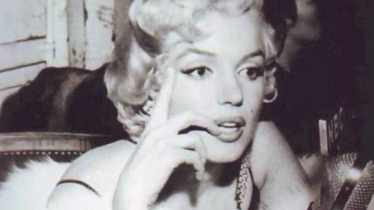 Download Marilyn Monroe - Forever Young